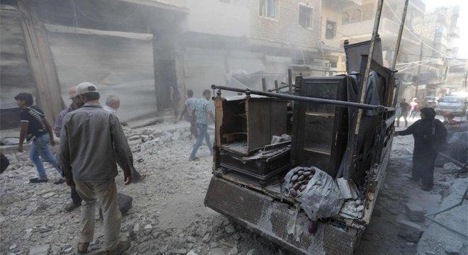 Governo sírio diz que jihadistas ligados à al-Qaeda estão quebrando a trégua negociada com as forças oficiais