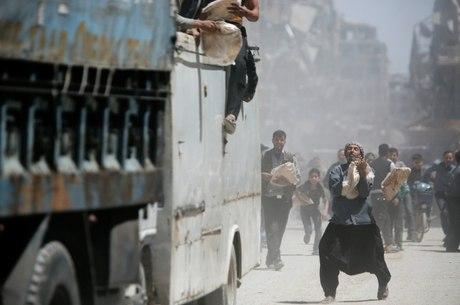 Síria vive clima de tensão após ataque liderado por EUA