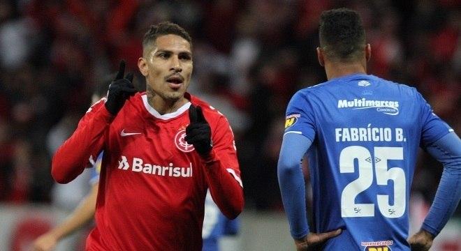 Guerrero marcou duas vezes e garantiu classificação do Inter
