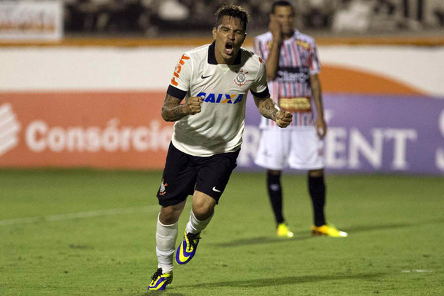 Guerrero - O autor do gol na fonal diante do Chelsea, saiu do Corinthians em negociação complicada. Passou pelo Flamengo em 2015 e hoje, está no Internacional.