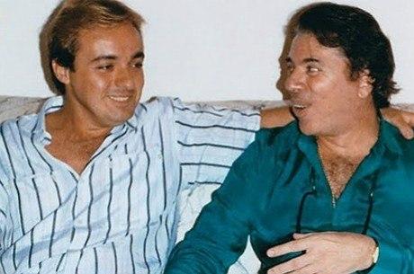 Silvio foi para o Rio avisar que Gugu não sairia do SBT