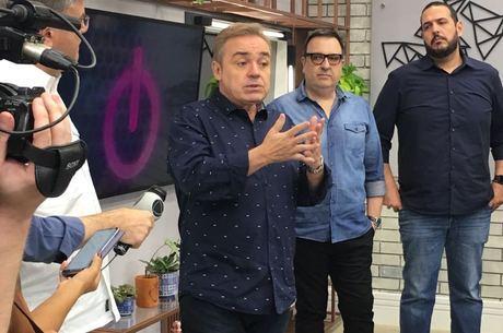Gugu Liberato durante a coletiva do Power Couple Brasil 3