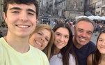 Gugu, Rose Miriam e os filhos João , Marina e Sofia