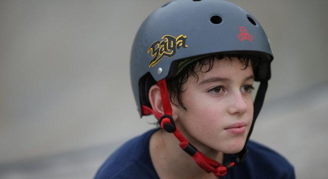 Aos 11 anos, Gui Khury é o único skatista a fazer manobra 1080 na pista vertical
