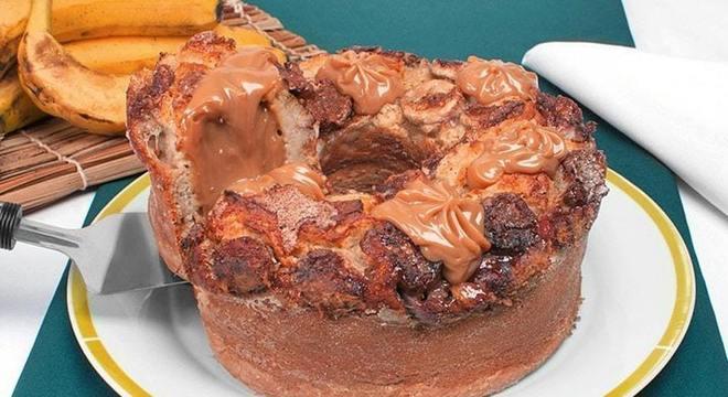 Guia da Cozinha - 13 receitas de bolo de banana para ir além da tradicional