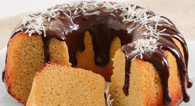 Guia da Cozinha - 5 receitas diferentes de bolo de fubá para fugir do tradicional