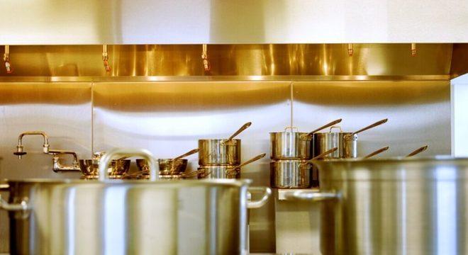 Guia da Cozinha - 7 dicas para economizar gás de cozinha na hora de preparar suas receitas