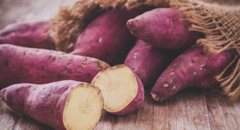 Guia da Cozinha - 8 receitas salgadas saborosas e diferentes com batata-doce
