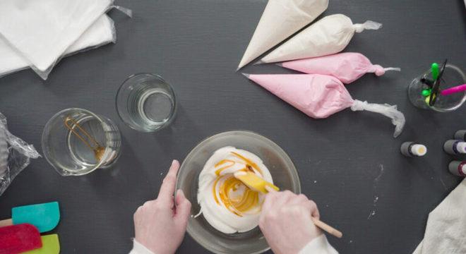 Guia da Cozinha - 9 variações de glacê para apostar nas receitas doces