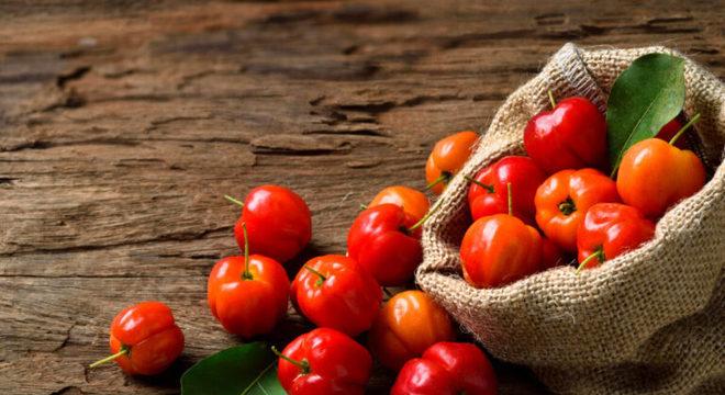 Guia da Cozinha - Acerola: seis receitas incríveis para testar