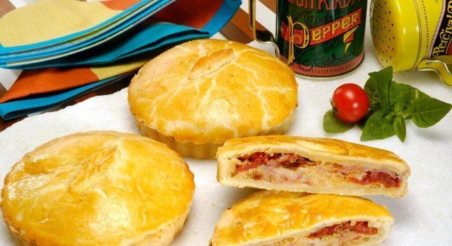 Guia da Cozinha - Aperitivos com salame: 7 opções para testar em casa