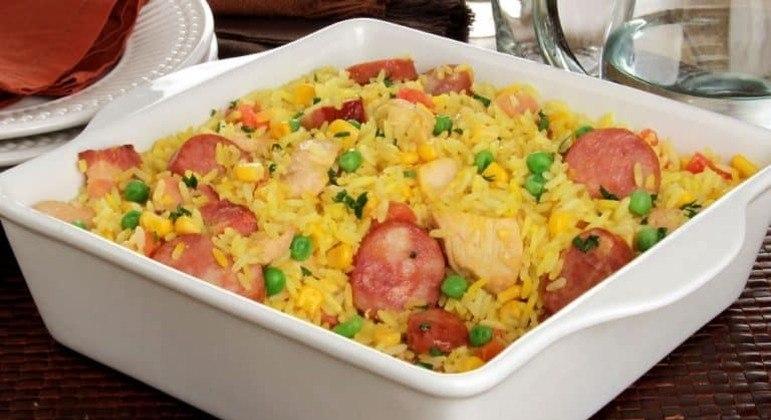 Guia da Cozinha - Arroz caipira: refeição completa em 40 minutos