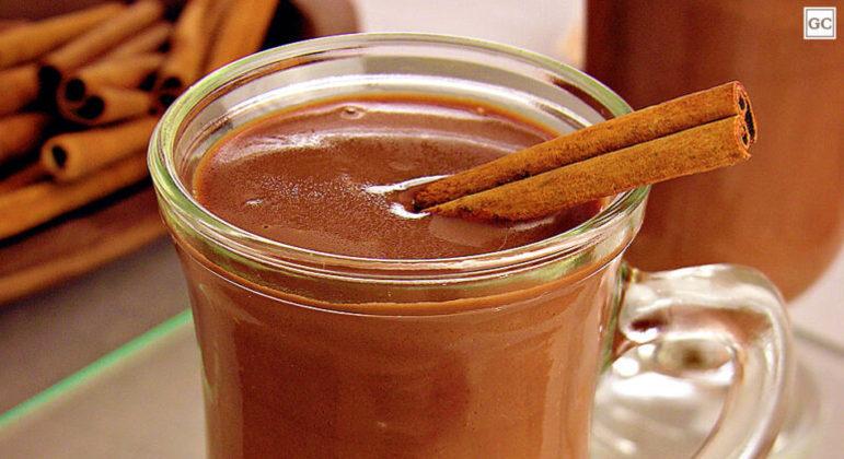 Guia da Cozinha - Bebidas quentes para saborear e se aquecer no inverno