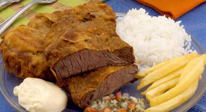 Guia da Cozinha - Bife à milanesa: as melhores receitas para experimentar