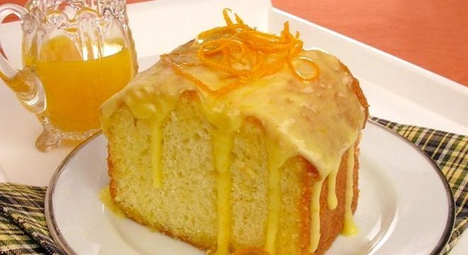 Guia da Cozinha - Bolo de laranja molhadinho para um lanche da tarde saboroso