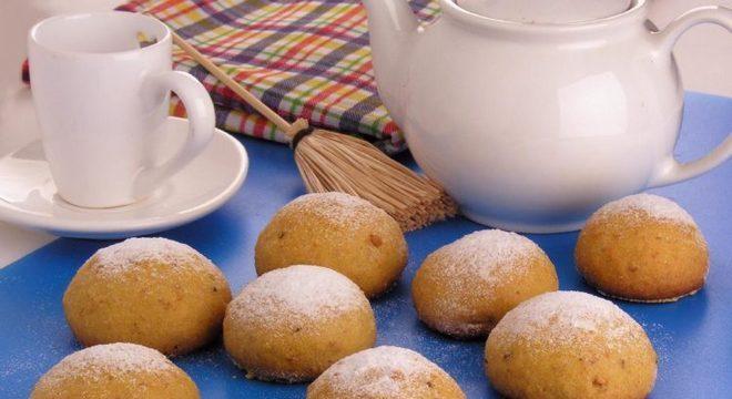 Guia da Cozinha - Broa de fubá com amendoim simples e deliciosa