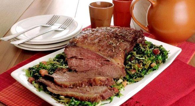 Guia da Cozinha - Carne assada com almeirão para se surpreender