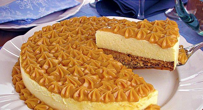 Guia da Cozinha - Cheesecake prática de doce de leite para uma sobremesa cheia de sabor