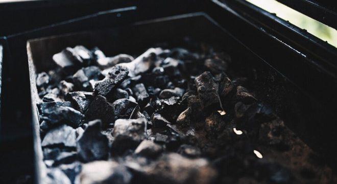 Guia da Cozinha - Dicas para tirar o mau cheiro da geladeira: um guia prático