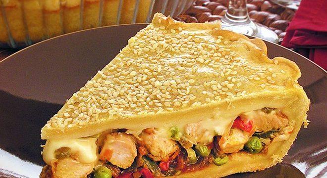 Guia da Cozinha - Empadão de frango xadrez perfeito para o almoço