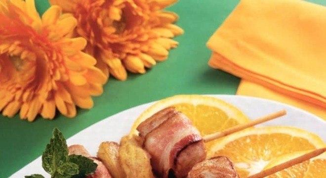 Guia da Cozinha - Espetinho de peru com frutas: opção fácil para o Dia de Ação de Graças