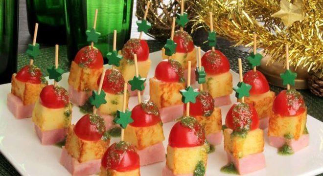 Guia da Cozinha - Espetinho de tender e queijo: aperitivo perfeito para o Natal