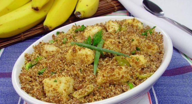 Guia da Cozinha - Farofa de carne moída com banana: saborosa opção para o jantar