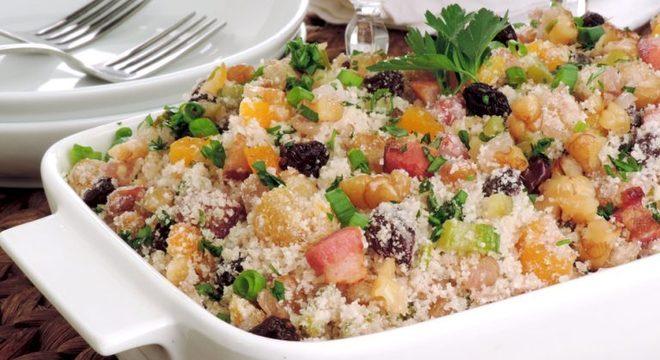 Guia da Cozinha - Farofa natalina saborosa e fácil de preparar
