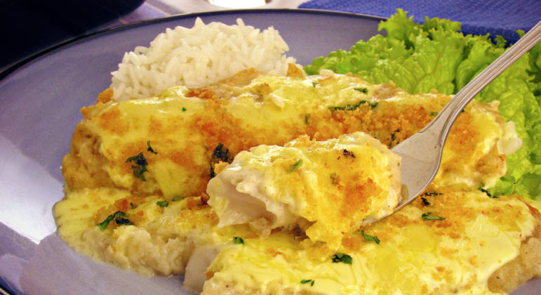 Guia da Cozinha - Filé de peixe gratinado delicioso e prático