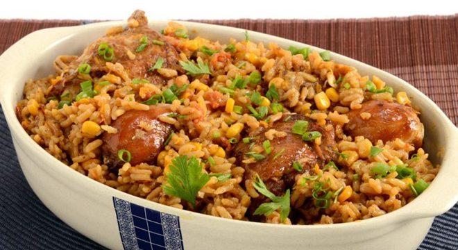 Guia da Cozinha - Galinhada tradicional para uma refeição prática