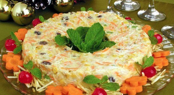 Guia da Cozinha - Guirlanda de salpicão festiva para refeições deliciosas e fáceis