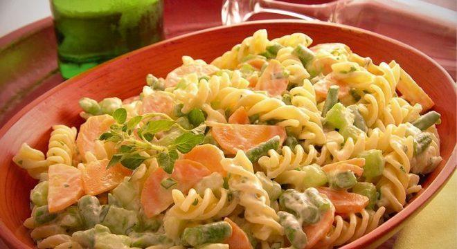 Guia da Cozinha - Macarrão primavera: jantar para fazer em 20 minutos
