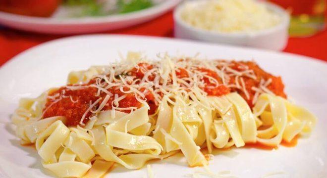 Guia da Cozinha - Molho de tomate caseiro: 3 dicas para fazer o molho perfeito