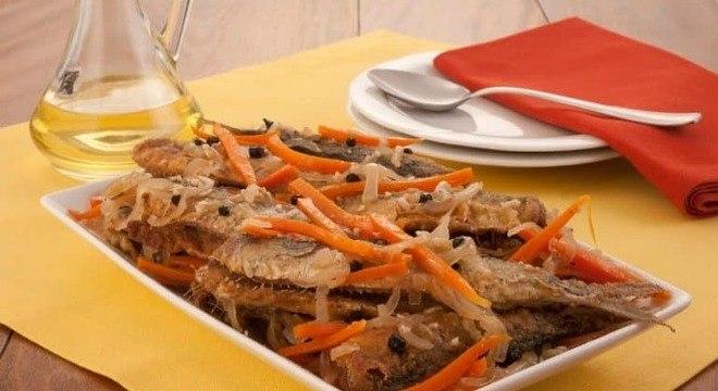 Guia da Cozinha - Molho escabeche de sardinha saboroso e prático
