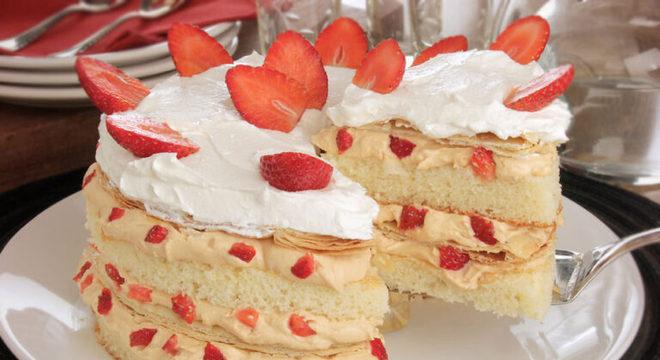Guia da Cozinha - Morango e chantilly: as melhores receitas para quem ama essa dupla