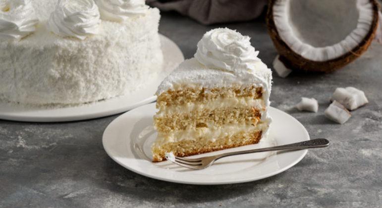 Guia da Cozinha - Oito receitas de bolos recheados deliciosos e práticos de fazer