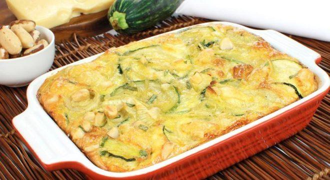 Guia da Cozinha - Omelete de forno com abobrinha para um almoço rápido