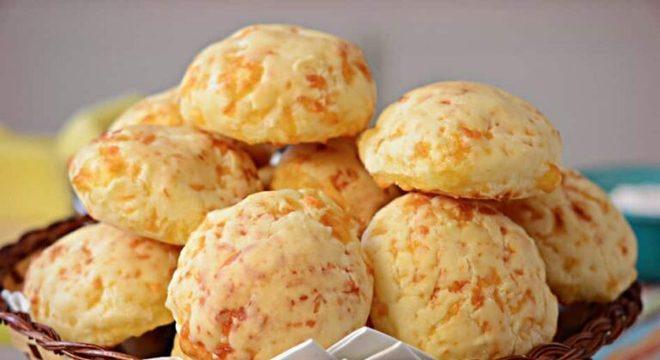 Guia da Cozinha - Pão de queijo: crocante por fora e macio por dentro