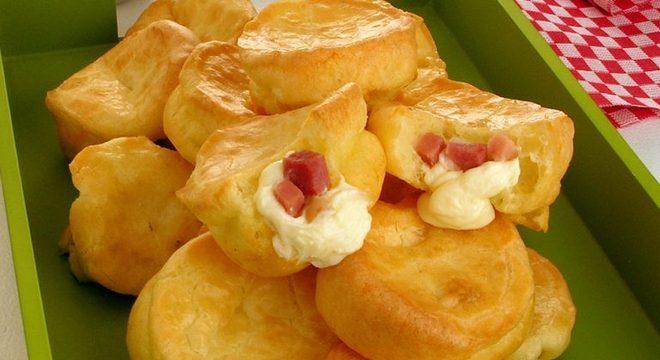 Guia da Cozinha - Pão de queijo recheado com bacon e Catupiry®