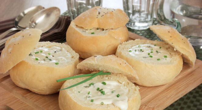 Guia da Cozinha - Pão recheado com creme de queijo fácil e irresistível