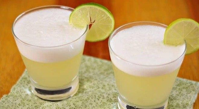 Guia da Cozinha - Pisco sour refrescante: um drinque diferente para o Natal