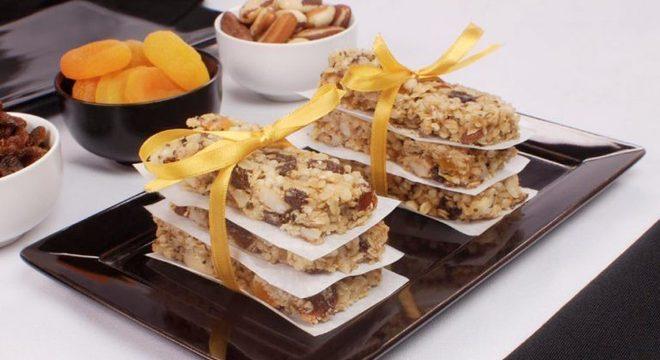 Guia da Cozinha - Receita de barrinha de cereal caseira e saudável