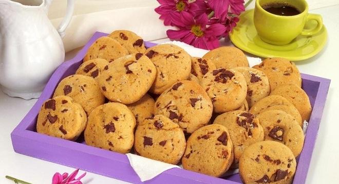 Guia da Cozinha - Receita de cookie com gotas de chocolate