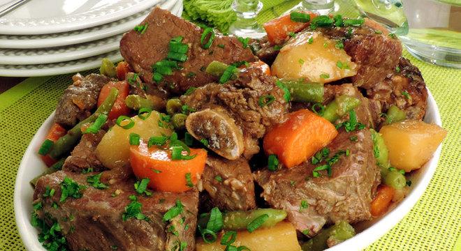 Guia da Cozinha - Receitas com costela fáceis e deliciosas para testar