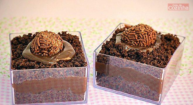 Guia da Cozinha - Receitas de bolo de brigadeiro para experimentar a qualquer momento