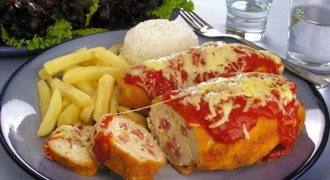 Guia da Cozinha - Rocambole de frango à parmegiana