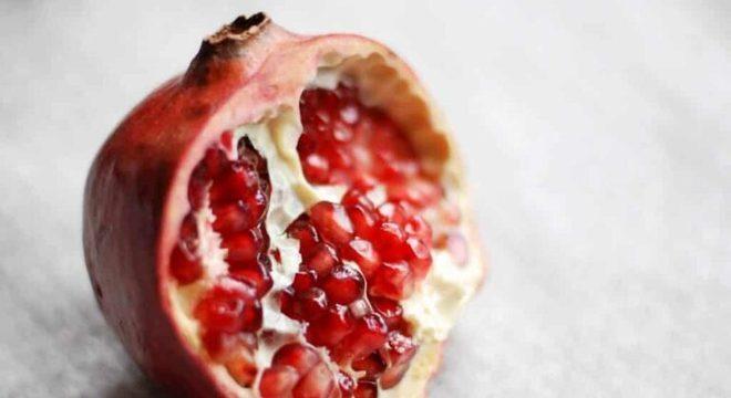 Guia da Cozinha - Romã: benefícios da fruta e  receita especial para o Dia de Reis