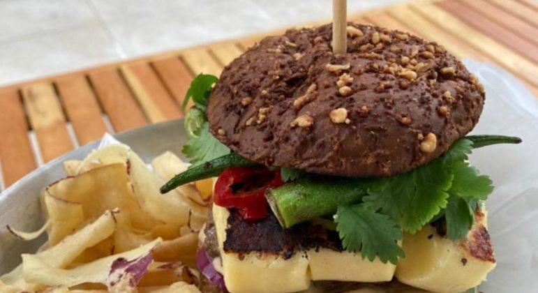 Guia da Cozinha - Saiba como preparar o saboroso hambúrguer do sertão