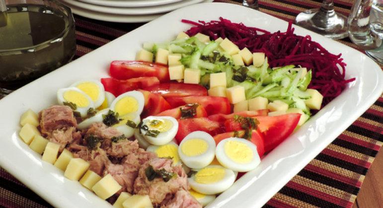 Guia da Cozinha - Salada de atum prática e saborosa
