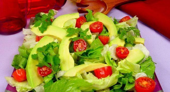 Guia da Cozinha - Salada de avocado: leve,  nutritiva e com um sabor especial